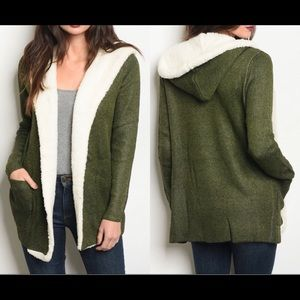 Sweaters - Olive green faux fur lined sweater